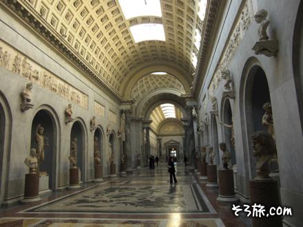 バチカン美術館の通路