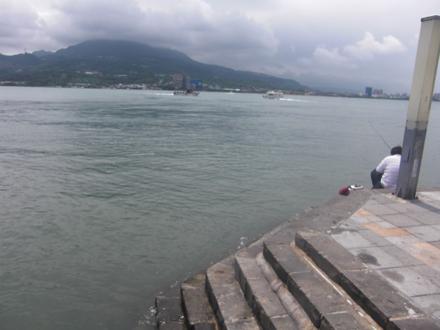 淡水の海岸