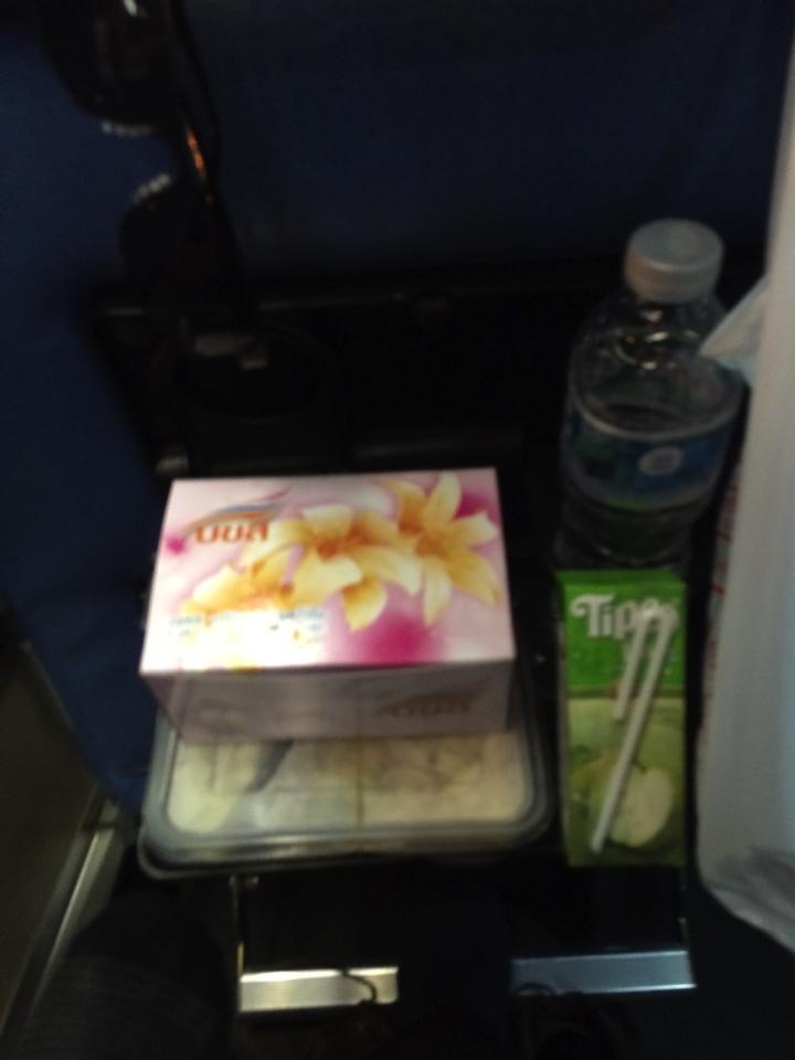 チェンマイ行きバスの食事